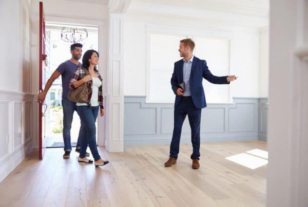 Necesidad de recurrir de un agente inmobiliario